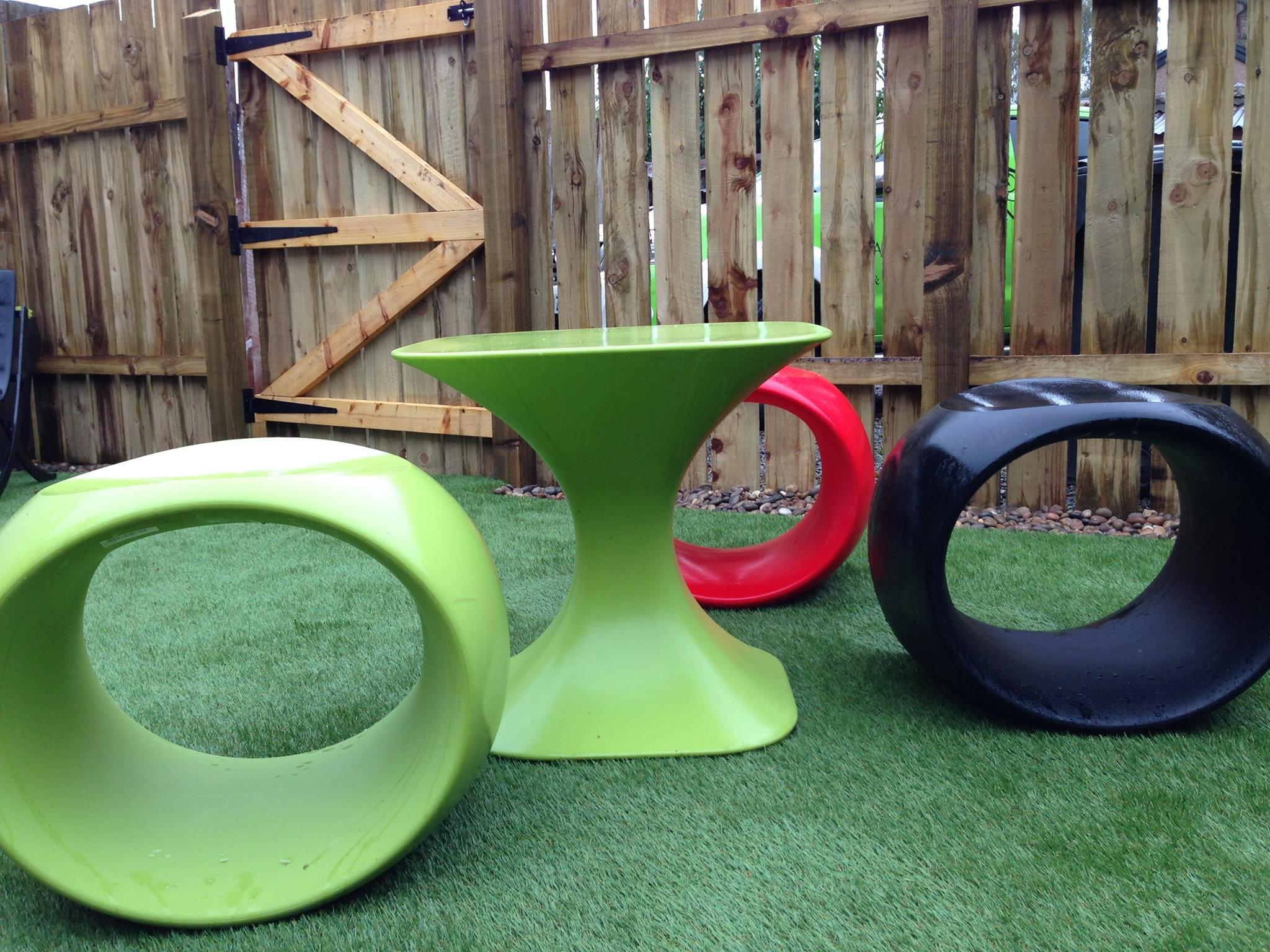Jazz up your garden with these funky garden accessories for Funky garden accessories