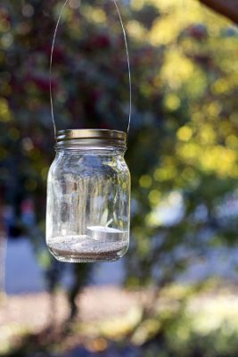 homemade garden lights using jars