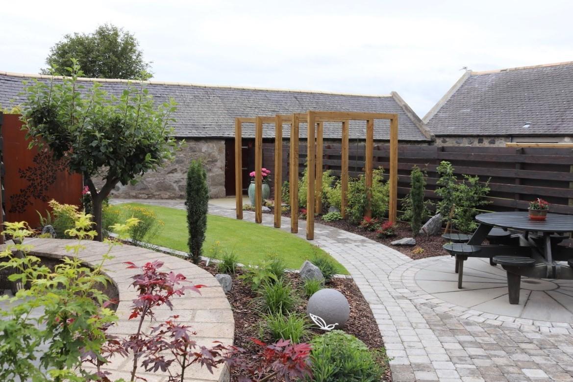 Garden design at Ellon by Papillon